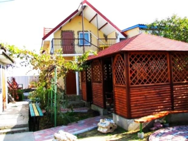 Загородный дом в Киеве стоит как квартира для семьи