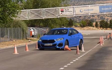Завалив! BMW M235i xDrive Gran Coupe не впорався з «лосиним» тестом. ВІДЕО