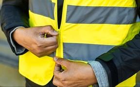 Жилеты, ремни безопасности и новые штрафы - что предлагают в парламенте