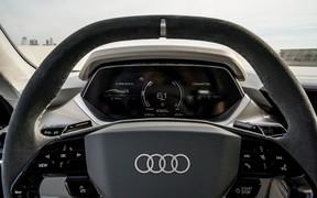 Audi E-Tron GT int