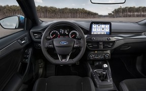 Ford Focus ST INT