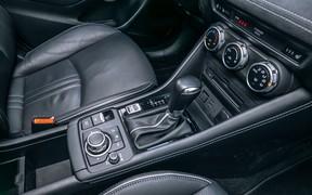 Mazda CX-3_int