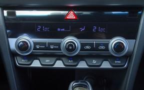 Hyundai Elantra int