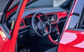 VW_T-Roc_int