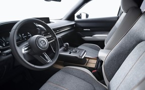 Mazda MX-30 int