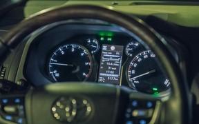 Toyota_Prado_int