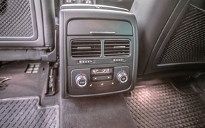 VW Touareg - задние места