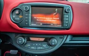 Toyota Yaris - мультимедиа