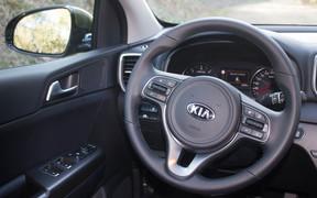 KIA Sportage_interior