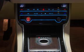 Салон Jaguar XF
