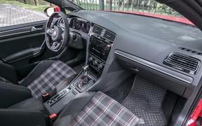 Салон VW Golf GTI