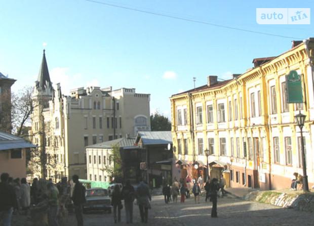 Андреевский спуск в Киеве – за шаг до памятника архитектуры