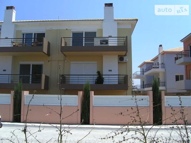 Частными особняками в Греции мало кто интересуется: они подешевели на 45%