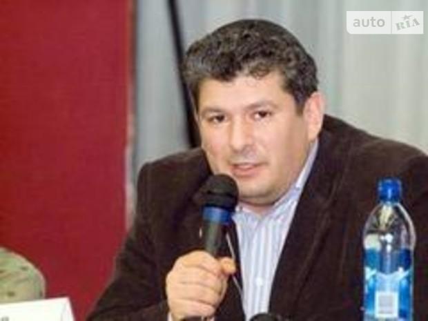 """Глава """"Евросети"""" вызвал скандал в Израиле 12-метровым забором из бетона"""