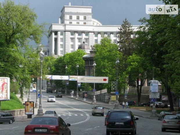 Грушевского заселят нардепы и прокуроры