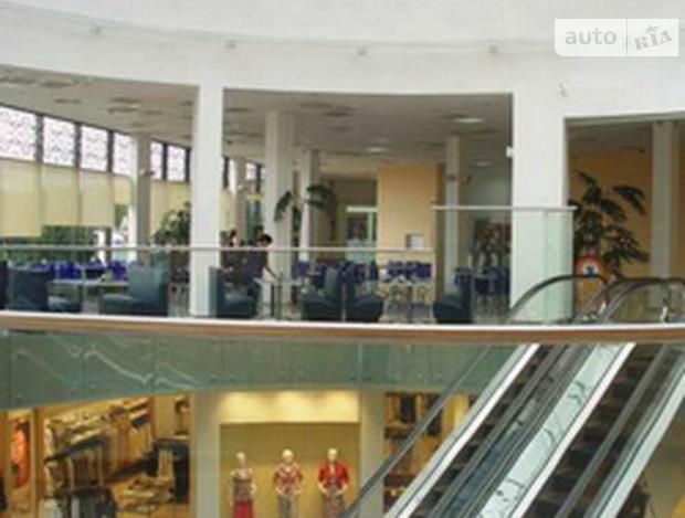 Иностранцы скупают столичные торговые центры