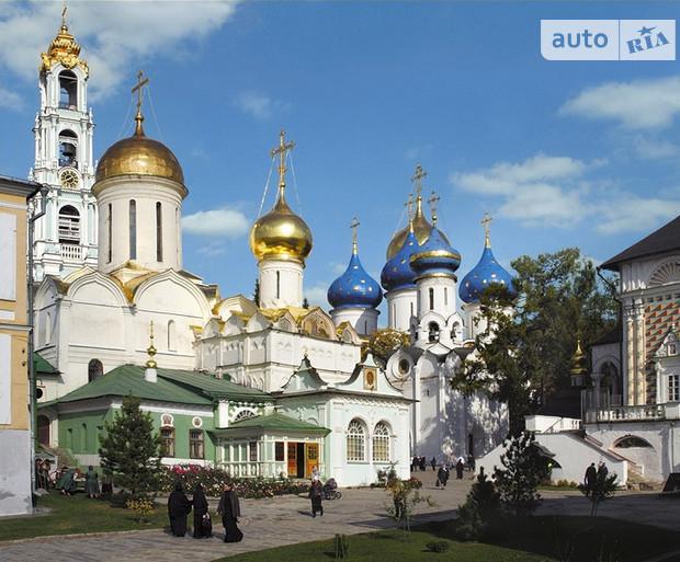 Н.Азаров будет делать все для строительства храмов и оживления монастырей