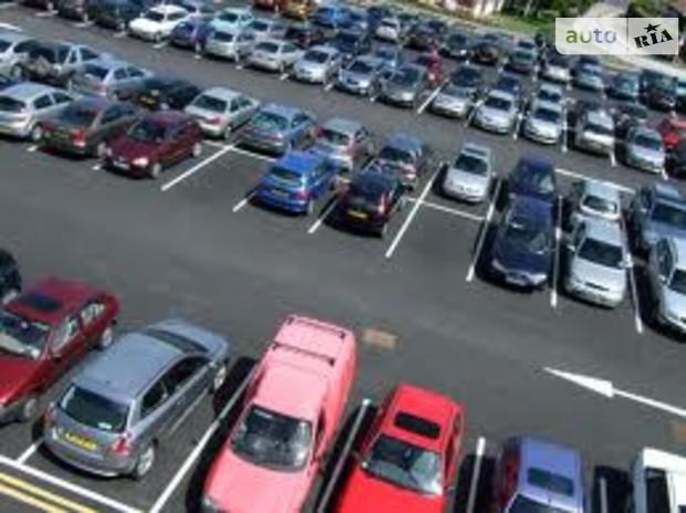 Столичным парковкам создадут специальный городской оператор