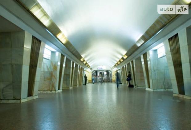 В 2012 появится выход со станции Львівська брама