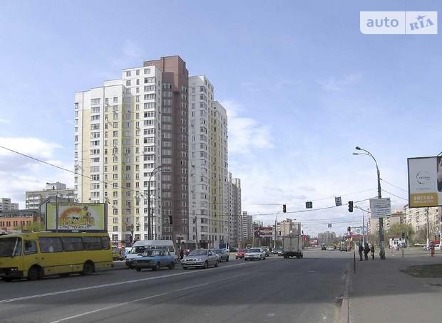 В Киеве реконструируют улицу Тростянецкую